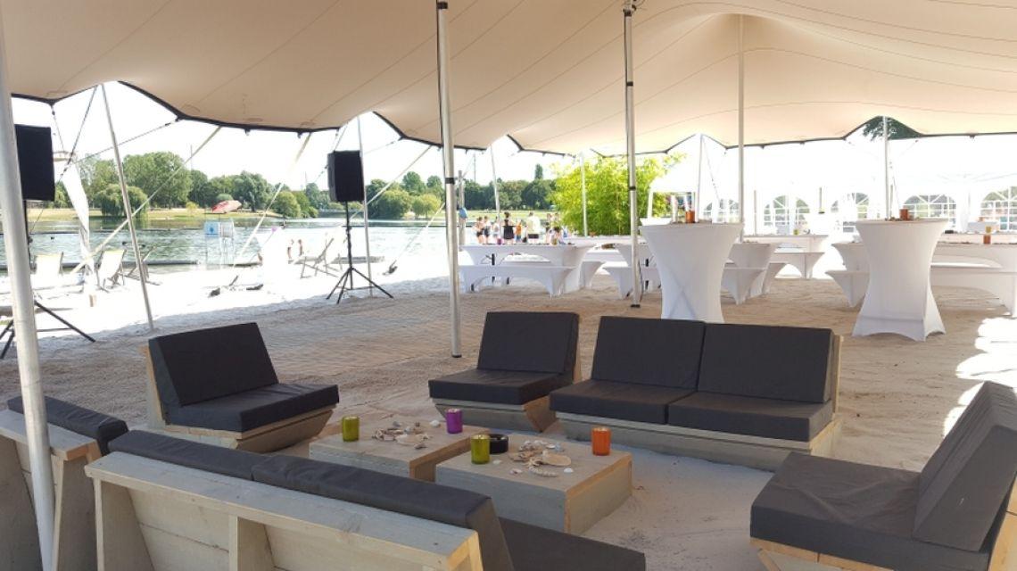 Sommerfeste an Kölns schönsten Locations Ob Beachparty am See, stylische Feier in der City oder Aktivprogramm im Grünen, es gibt viele Möglichkeiten Ihr Sommerfest zu gestalten. mSa kennt nicht nur die passende Location, sondern schlägt Ihnen auch den richtigen Mix aus Unterhaltung, Catering und Aktivprogramm vor.