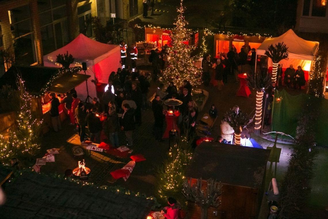 Mobiler Weihnachtsmarkt mit mSa mSa eventmarketing ist einer der führenden Anbieter von mobilen Weihnachtsmärkten in ganz Deutschland.