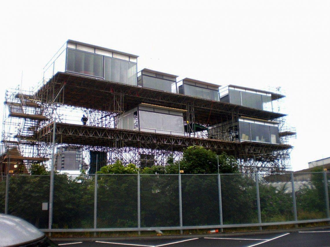 Glasstudios von 4x4m bis 8x8m Zur Olympiade 2012 in London durften wir insgesamt 7 Studios auf einem zweistöckigem Gerüst aufbauen und Betreuen