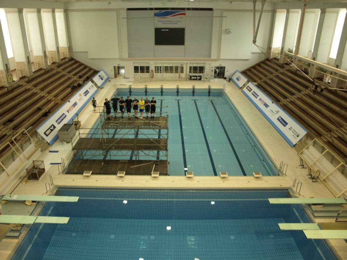 Wasserspringen Europameisterschaft - Rostock Kameraturm-Kampfgericht-Kombination; direkt in das Becken gebaut