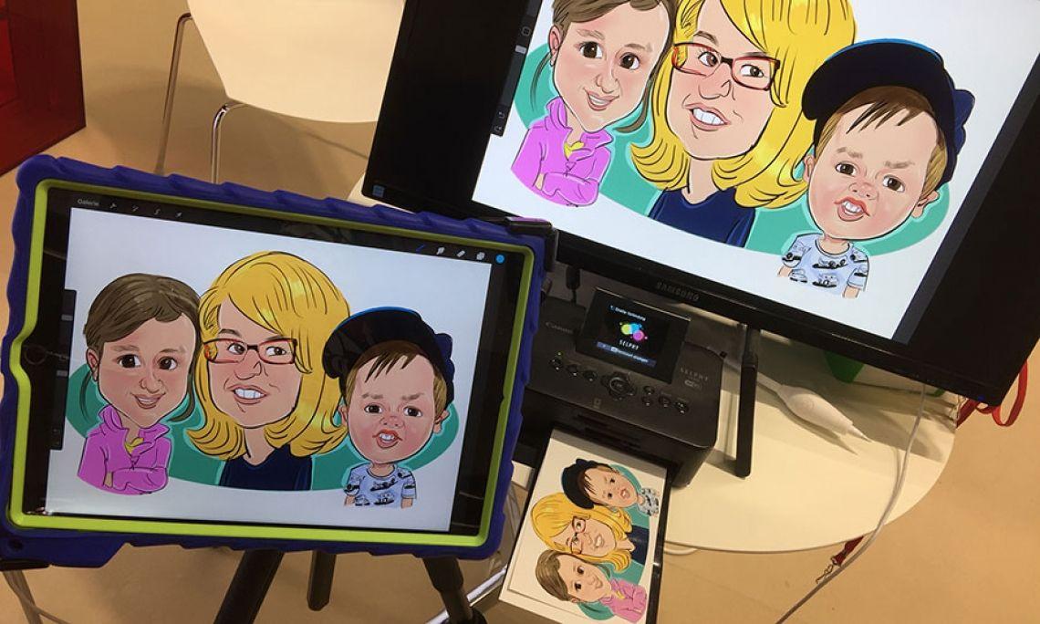 """Mein iPadkarikaturen-Arbeitsplatz Hier sieht man mein kleines Setup. iPadPro, 27"""" Monitor und Canon Drucker für Ausdrucke in 10x15cm"""