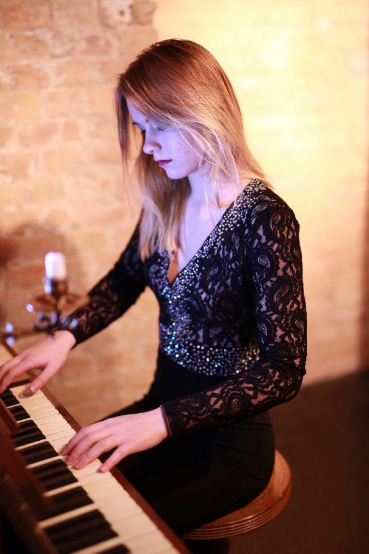 Live Improvisationen am Piano