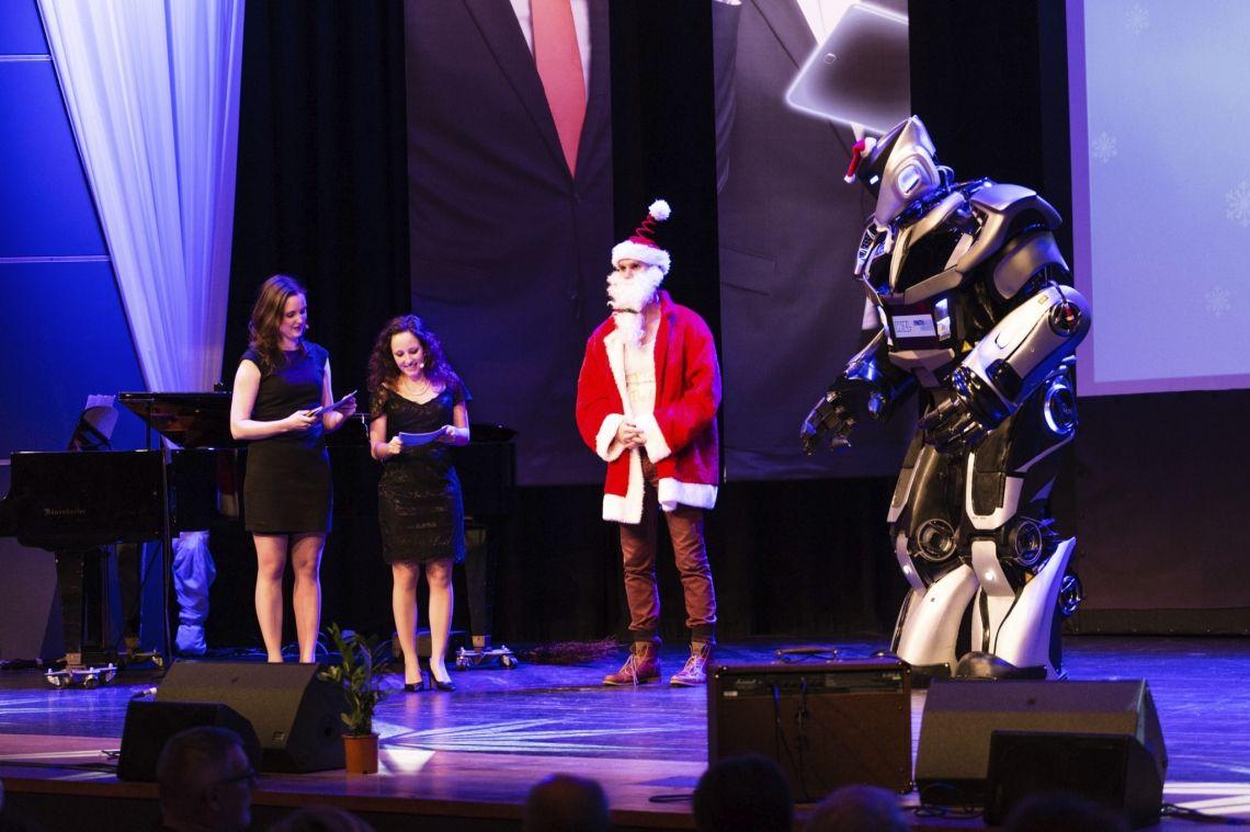 NOX als Weihnachtsmann bei der RWTH Aachen.