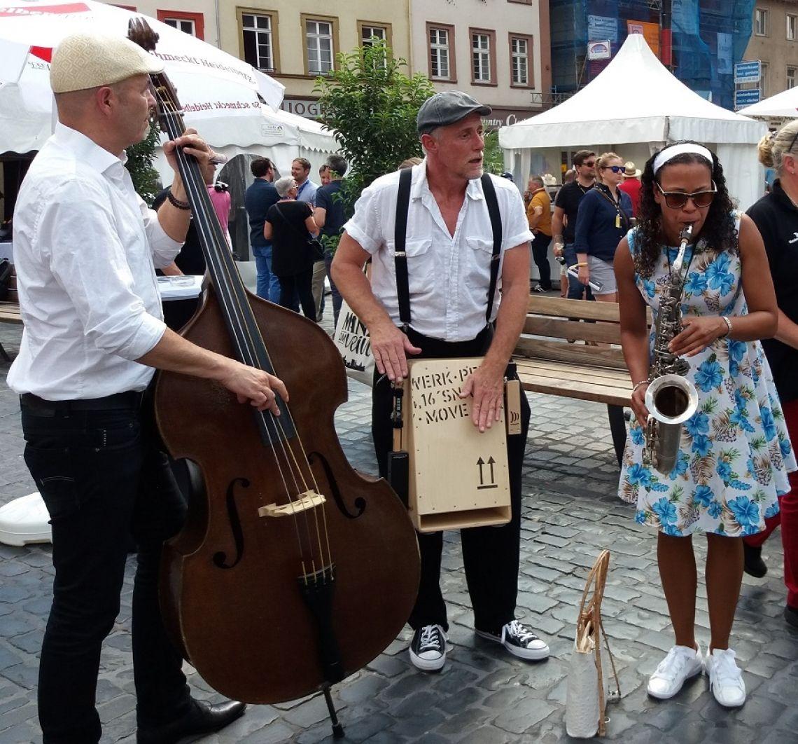 Jeanys Partyband auf der Heidelberg Historic Walking Act beim Heidelberg Historic - live und unplugged, ohne Strom und Verstärker gespielt und gesungen