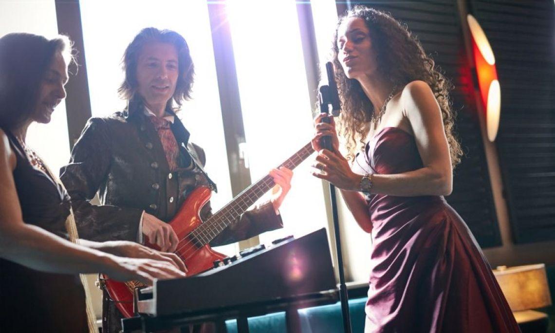 Partyband Coolanova Coolanova spielt Partymusik im Trio bis zum Sextett.