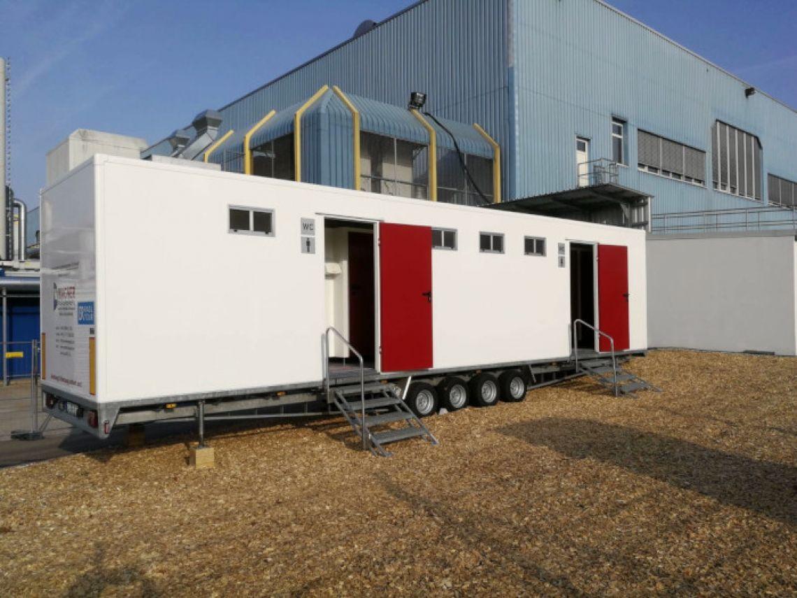 Mobiler Luxus WC-Container für VIP Events Exklusiver Sanitärcontainer mit umfangreicher Ausstattung.