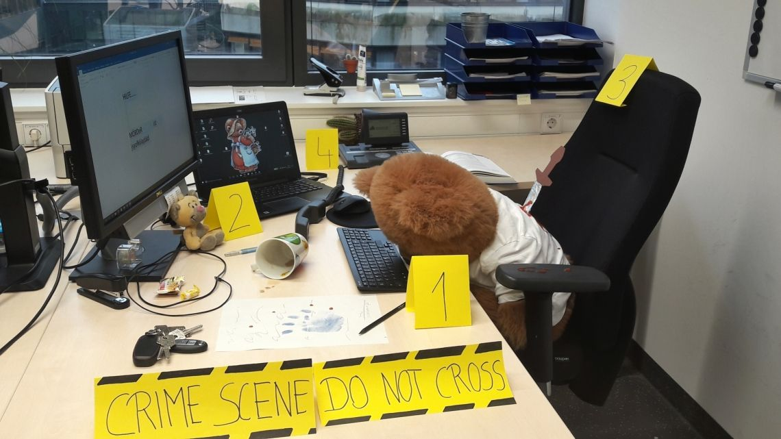 "Unsere Scavenger Hunts bringen Leben ins Büro ""Gestaltet einen Tatort an Eurem Arbeitsplatz"""