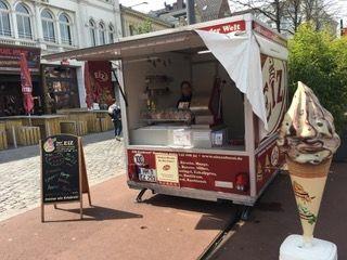 Unser Event-Anhänger Geöffnet auf dem Spielbudenplatz in Hamburg!