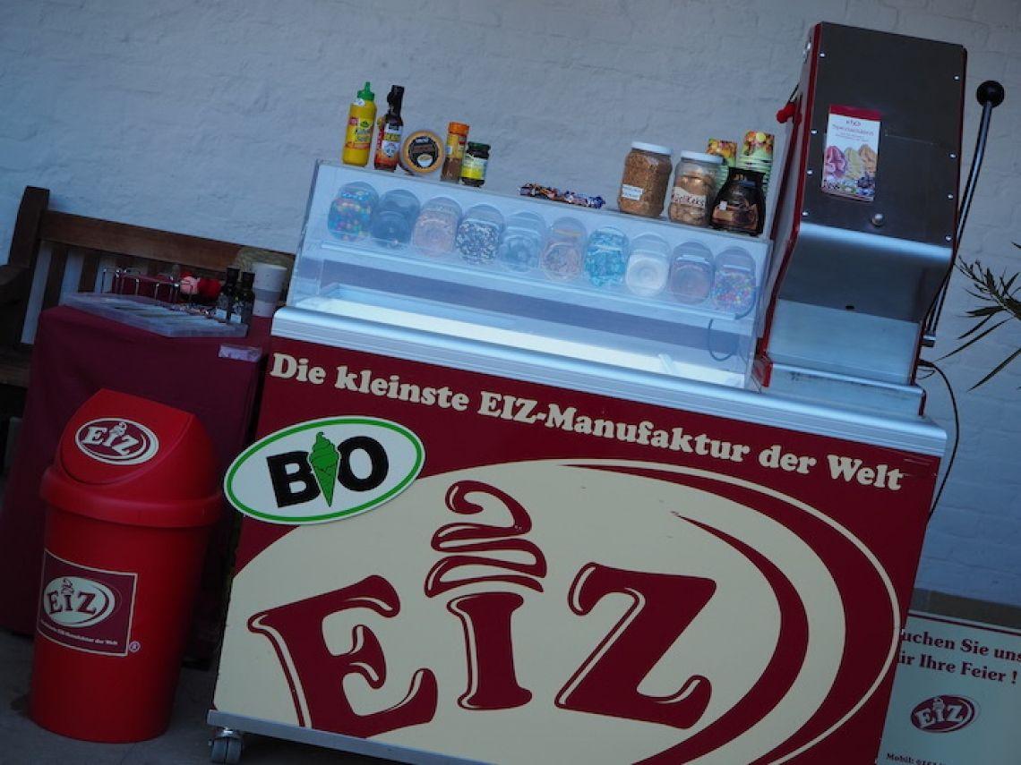 Unsere EiZ-Bar Diese kann man mieten! Zu Hochzeiten, Betriebsfeste, Messe Auftritte.... und vieles mehr!