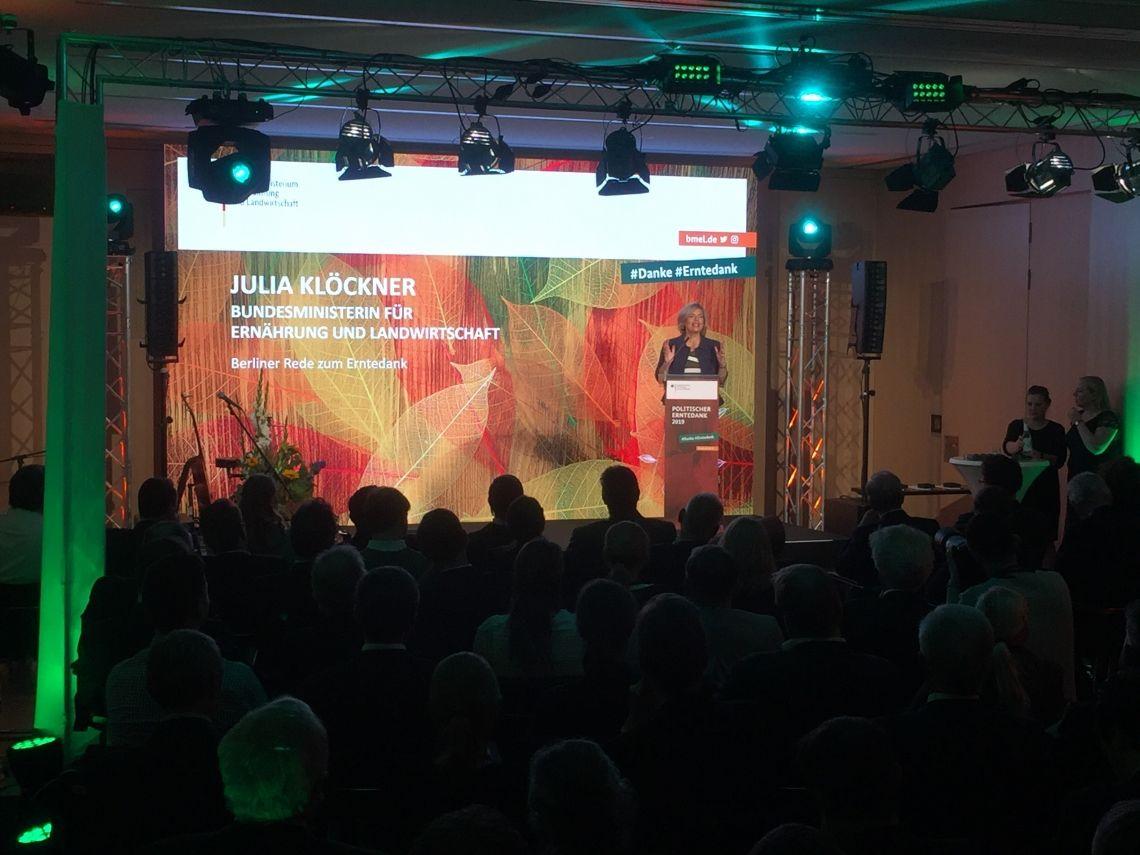 Ton-, Licht-, Bühnen- und Videotechnik Ihr technischer Komplettanbieter für Events aller Art - blue media event GmbH