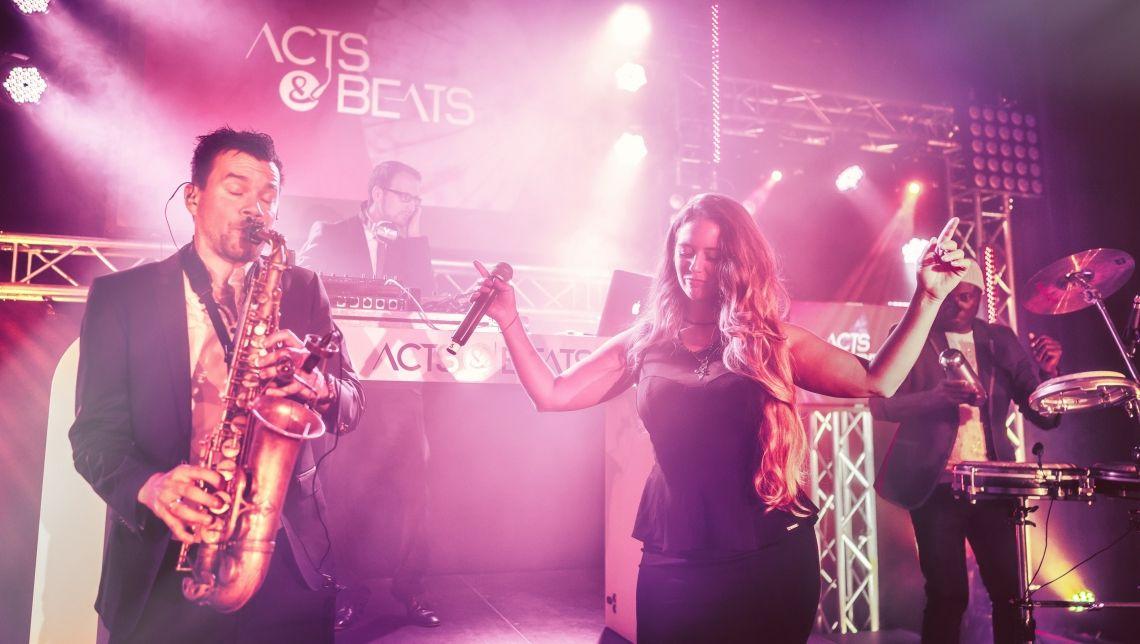 DJ Sängerin Saxophon Percussion und weitere Live Musiker für NRW, Hessen und Bayern DJ Sängerin Saxophon Percussion und weitere Live Musiker für NRW, Hessen und Bayern